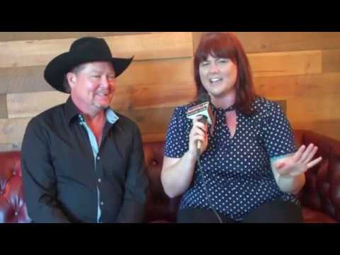 """Tracy Lawrence Discusses His New Duets Project """"The Good Ole Days"""""""