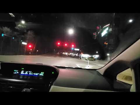 Учу жену водить машину с нуля. Первое вождение в темное время суток, США.