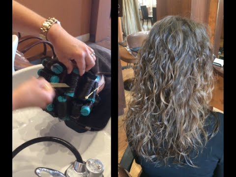 Get A Modern Beachy Loose Waves Perm
