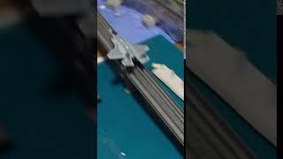 ジオラマ戦闘機のスクランブル発進です。