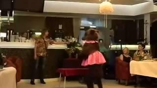 Медведь - фильм: прикольный подарок на свадьбу молодоженам