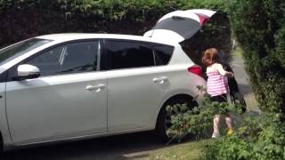 Mumsnetters test drive the new Toyota Auris Icon Hybrid