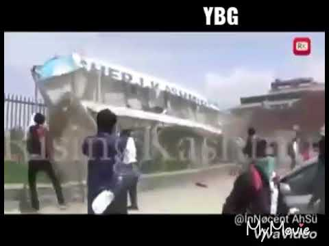 Amazing  stone  pelleters of Srinagar boys and girls  at colleges