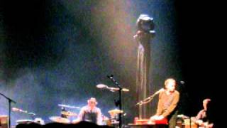 PJ Harvey - Hanging in the Wire - Live in Paris, 24/02/2011 Olympia