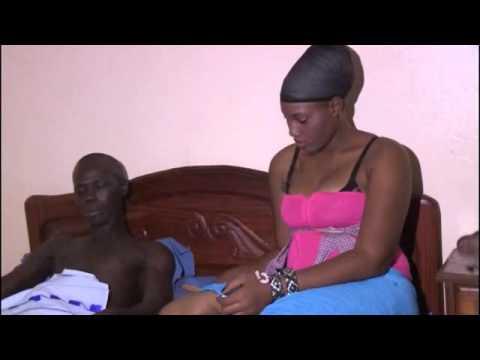 Elle tente de séduire son mari au lit et se fait humilier