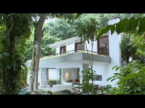 Brazil's political, economic crises create real estate buyers market