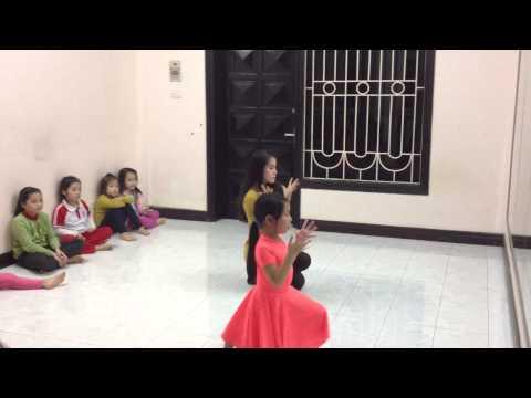 Hướng dẫn tập múa Jingle Bell - Trung Tâm Music Talent