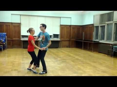 Lindy Hop - Basic Step & Lindy Circle