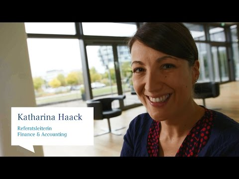 Katharina Haack, Referatsleiterin Finance & Accounting