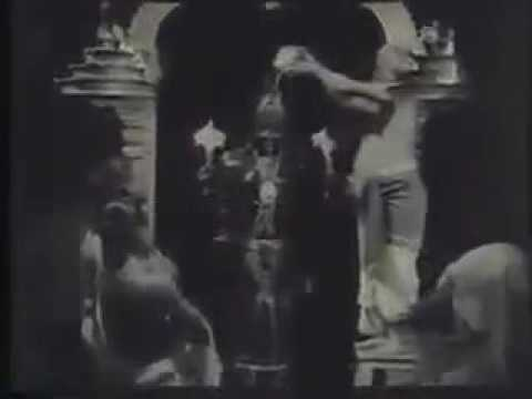 Real tirumala inside video by British in. 1901