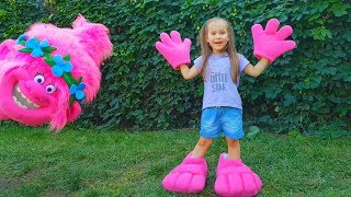 Trolls Poppy and Magic ball Funny video for kids