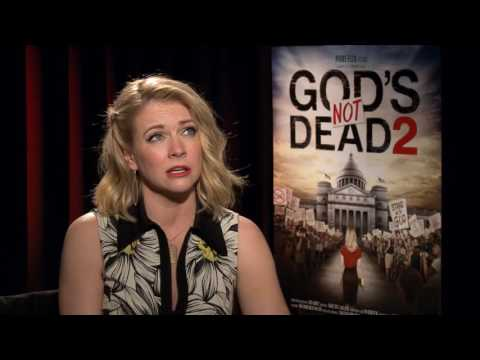 Melissa Joan Hart on GOD'S NOT DEAD 2 & Juggling Her Career & Family--Interview by Gaia Melikian