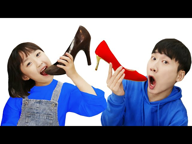 REAL FOOD VS CHOCOLATE FOOD CHALLENGE chocolate challenge 초콜릿 음식 챌린지!! 복불복 - 슈슈토이 Shushu ToysReview