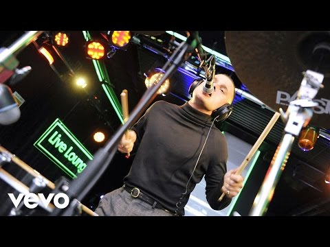 Slaves - Shutdown (Skepta cover in the Live Lounge)