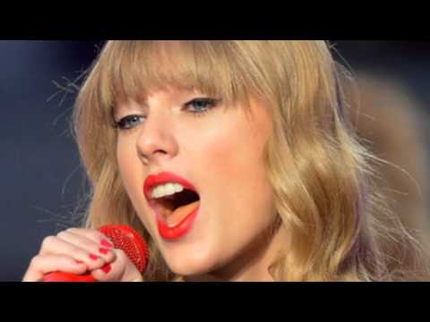 taylor-swift-begin-again-live-cma-awards-duet-red-22-i-almost-do-i-knew-you-were-trouble-video