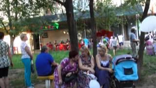 Массовые народные гулянья  в г. Орджоникидзе(В понедельник, 6 июля, в г. Орджоникидзе Днепропетровской области прошли массовые народные гулянья, приуроч..., 2015-07-07T23:57:34.000Z)