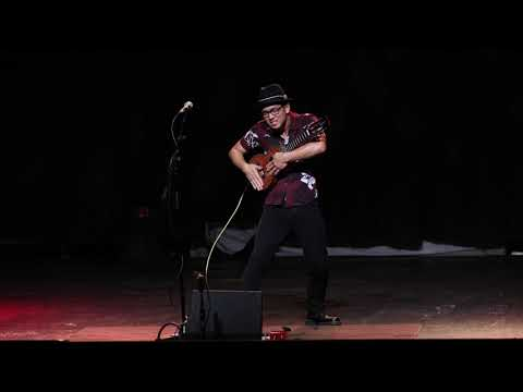 Jake Shimabukuro live at the Majestic Ventura Theater