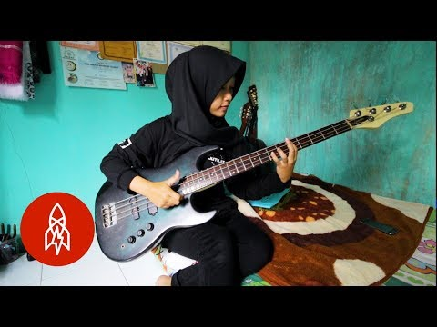Playing Heavy Metal in a Hijab Mp3