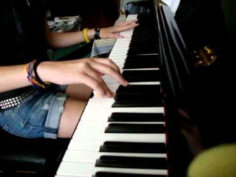 Avenged Sevenfold - So far away piano cover ( by tere )