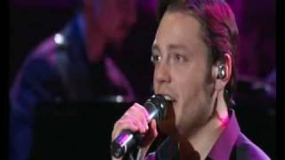 Tiziano Ferro - La paura non esiste (Live in Rome 2009 Official HQ DVD).flv