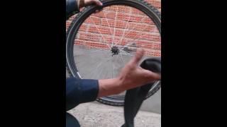 Как разбортировать велосипедное колесо(некоторые люди даже не задумывались о том как разбортировать велосипедное колесо. Иногда нет возможности..., 2016-06-15T19:12:55.000Z)