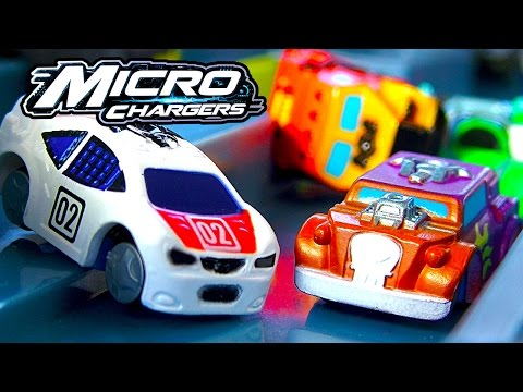 Micro Chargers Pro Racing Pit Stop Track Amazing Racing Cars Playset