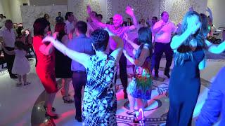 Ведущий Валерий Ермолин. Свадьба г. Сочи, ресторан Royal(, 2016-03-18T16:42:33.000Z)