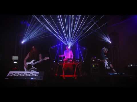 Mobius8 & FYER - Return to Mars (LIVE)