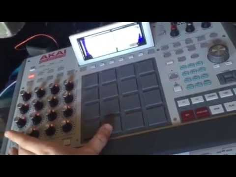 How do I select MPC samples using Q-Link knobs?