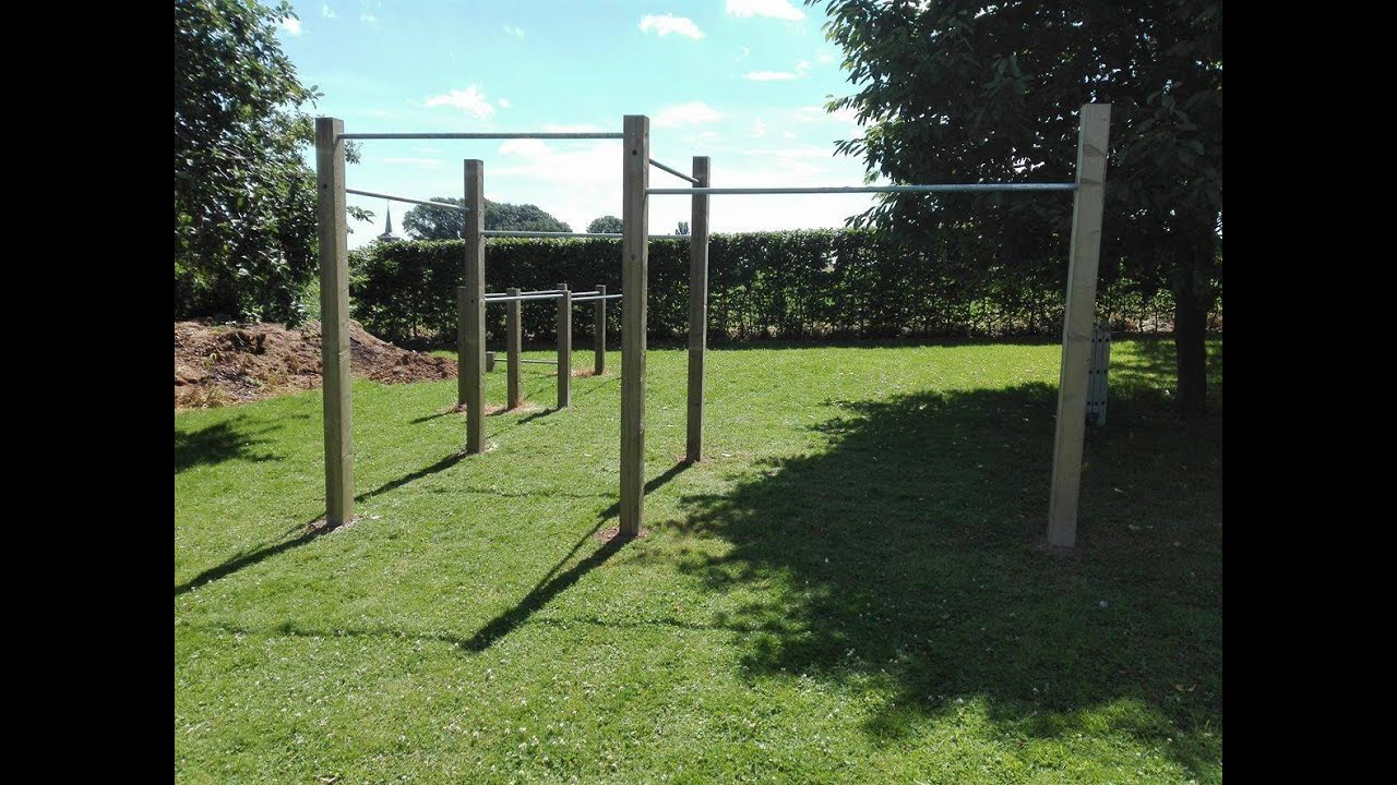 comment construire un parc de street workout dans son jardin d monstration bar brothers. Black Bedroom Furniture Sets. Home Design Ideas