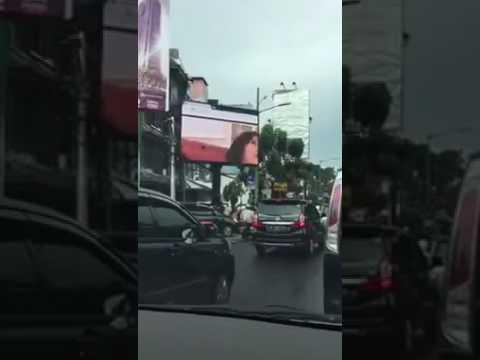 video billboard mesum di jakarta