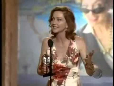 Julie White wins 2007 Tony Award for Best Actress in a Play