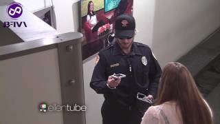 [Vietsub] Justin Bieber's Security Guard Prank on Ellen Show 03192015