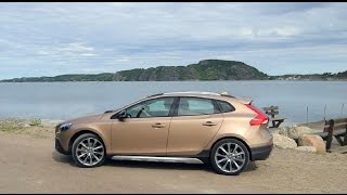 2015 Volvo V40 Cross Country Exterior and Drive