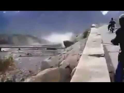 massive landslide after earthquake in pakistan 26oct 2015