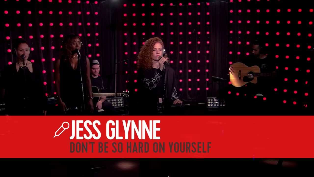 Jess Glynne Dont Be So Hard On Yourself Live Bij Q