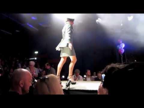 Celebrity Fashion Rocks