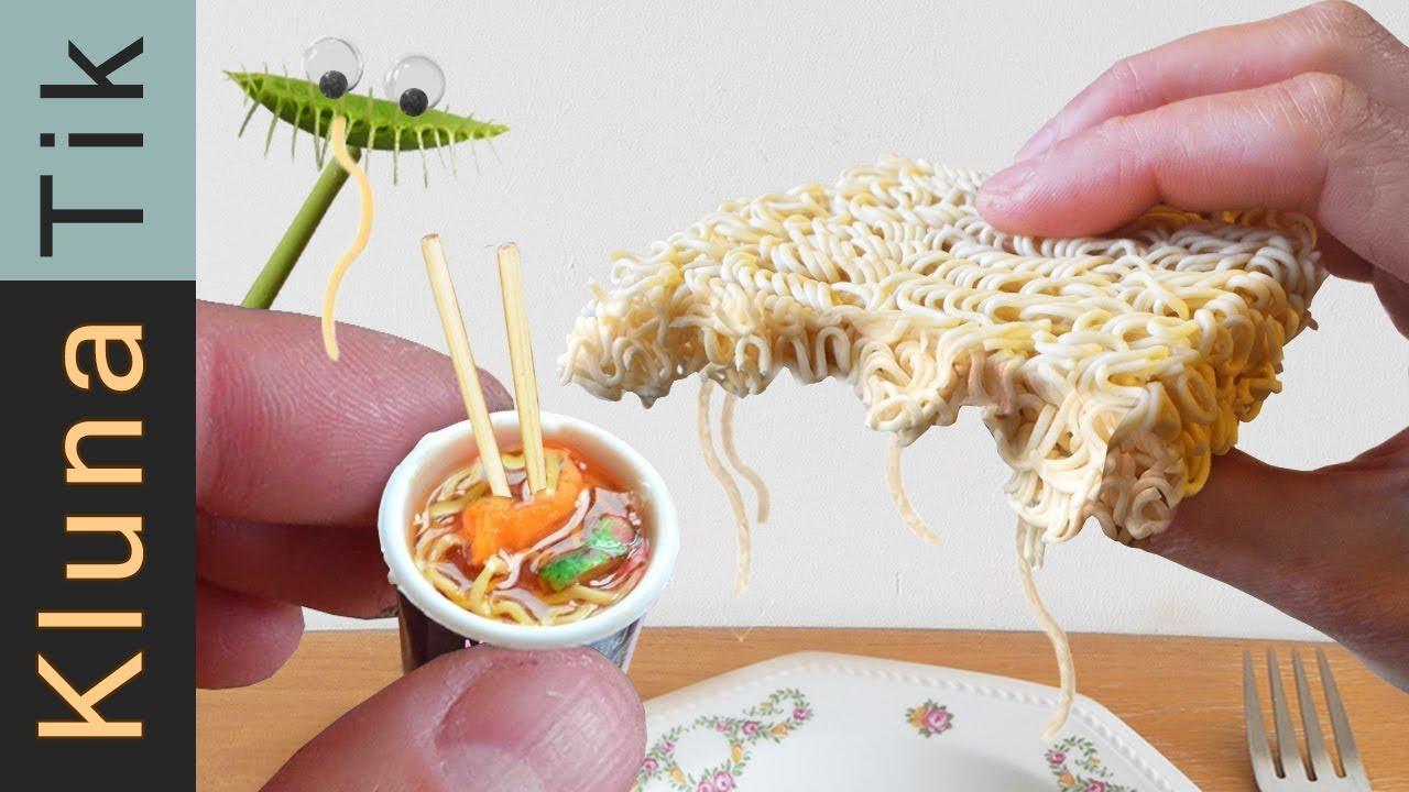 Kluna Eating Real Food Noodles Kluna Tik Asmr Eating Sounds Comer Los Tallarines Sin Cocer
