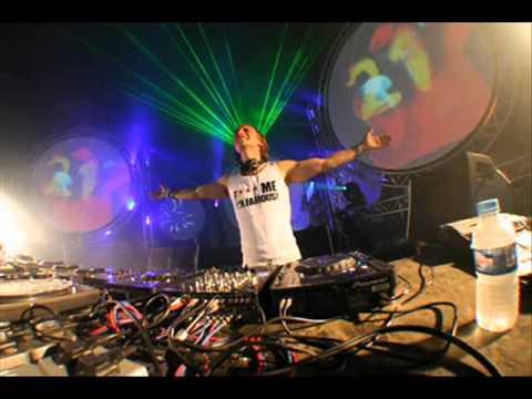 David Guetta Time of My Life + turn it up viniciusvz REMIXwmv