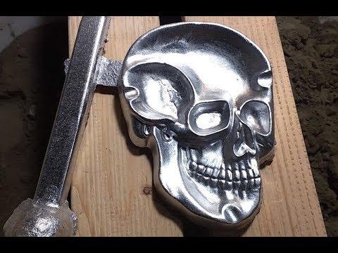 Casting A Skull-Shaped Aluminum Ashtray, er... Candy Dish