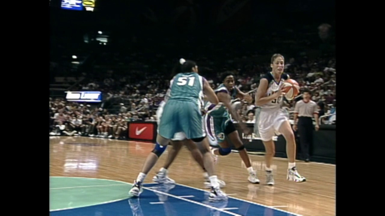 Rebecca Lobo inducted into the Hall of Fame - YouTube