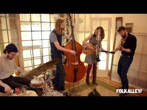 Folk Alley Sessions: The Stray Birds -