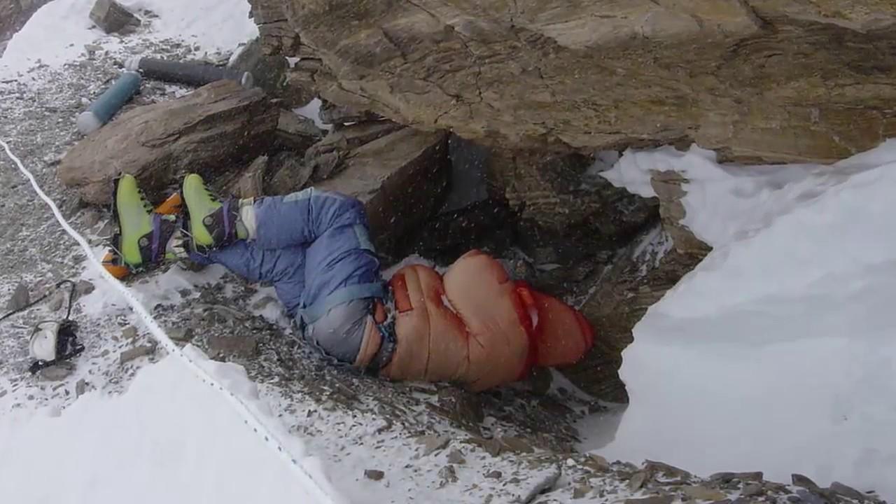 The Frozen Bodies of Mount Everest
