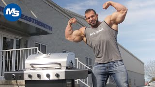Grilling with Pro Bodybuilders   Basic Bodybuilding Grilling Lessons w/ Steve Kuclo