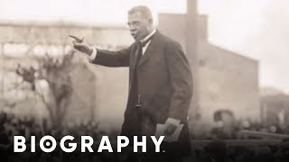 Biography: Booker T. Washington Mini Bio thumbnail