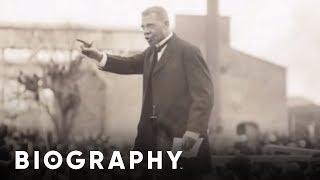 Biography: Booker T. Washington Mini Bio thumbnail