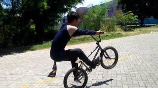 MOMENTUM BMX - Wahyu Sanjaya vs Manual