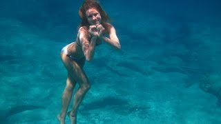 Video Girl like a mermaid in the sea.Freediving.8 meters of depth.Video by Tanya Tonica. download MP3, 3GP, MP4, WEBM, AVI, FLV Mei 2018