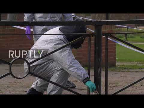 UK: Forensics teams return to the scene to continue Skripal investigation