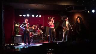 False Magic - Lion's Den (original song/live at Mojos)
